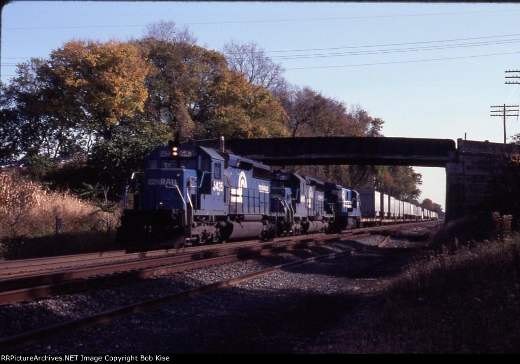 CR 6435 west with a short intermodal train