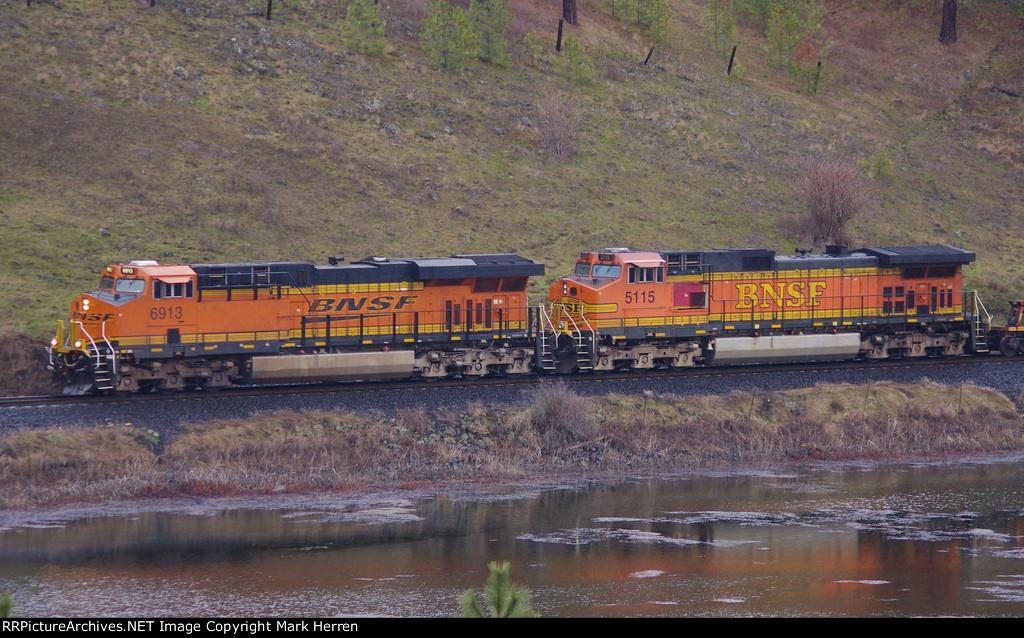 BNSF 6913 East
