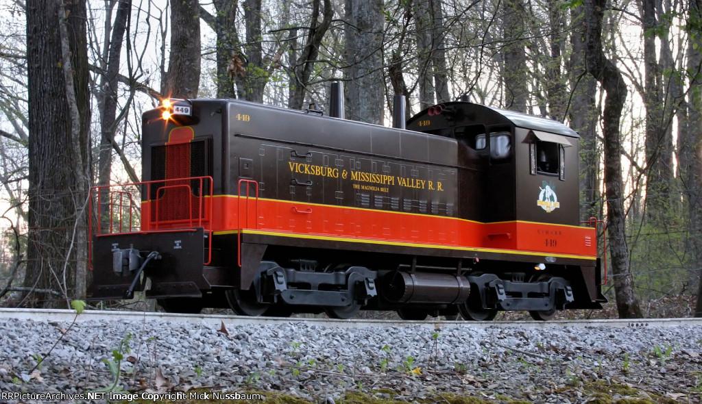 V&MV #449 on the main line