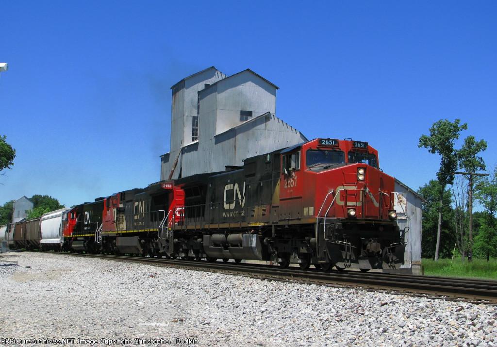 CN 2651