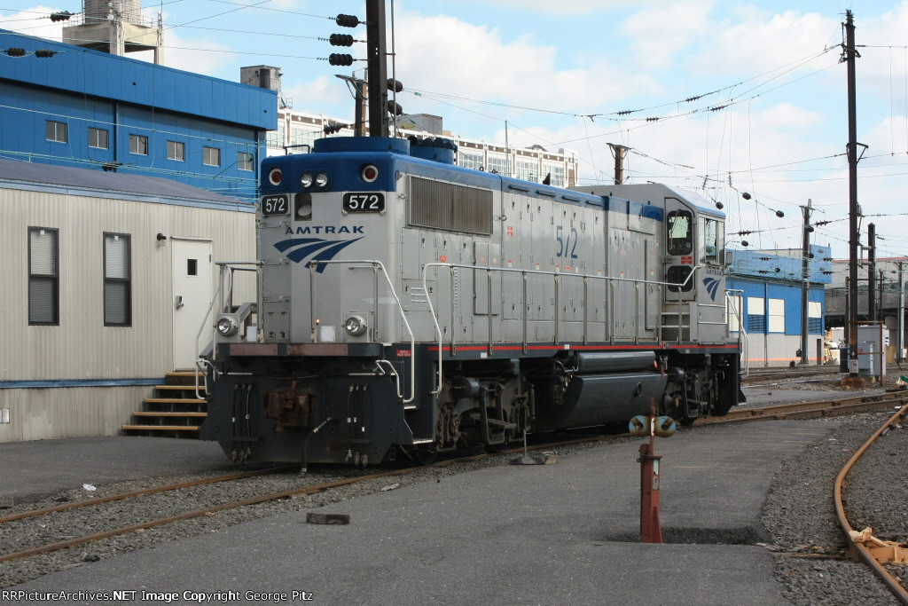 Amtrak 572 at SSY