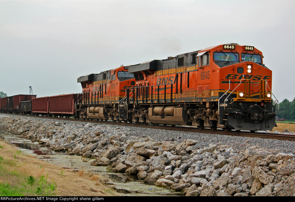BNSF 6645 Heads up a freight train at Old Monroe.