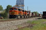 BNSF 5409 Heads up a 5 unit freight train!!!