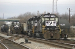 SD40-2's tied down for the holiday