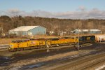 CSXT Q364 Enters Selkirk In The Bright Morning Sun