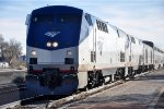 """Eastbound """"Southwest Chief"""" nears stop"""