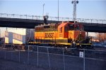 Switching intermodal cars in the yard