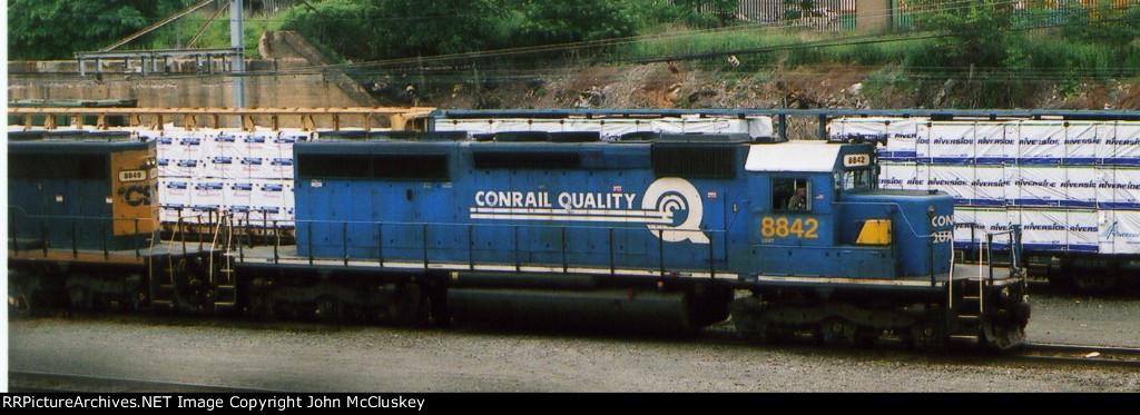 CSX 8842