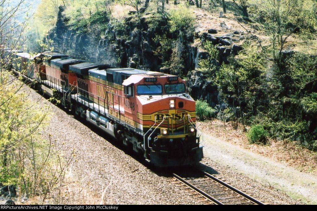 BNSF 4948