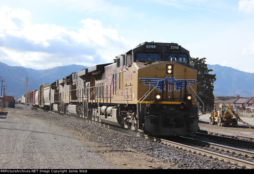 UP Manifest in Tehachapi