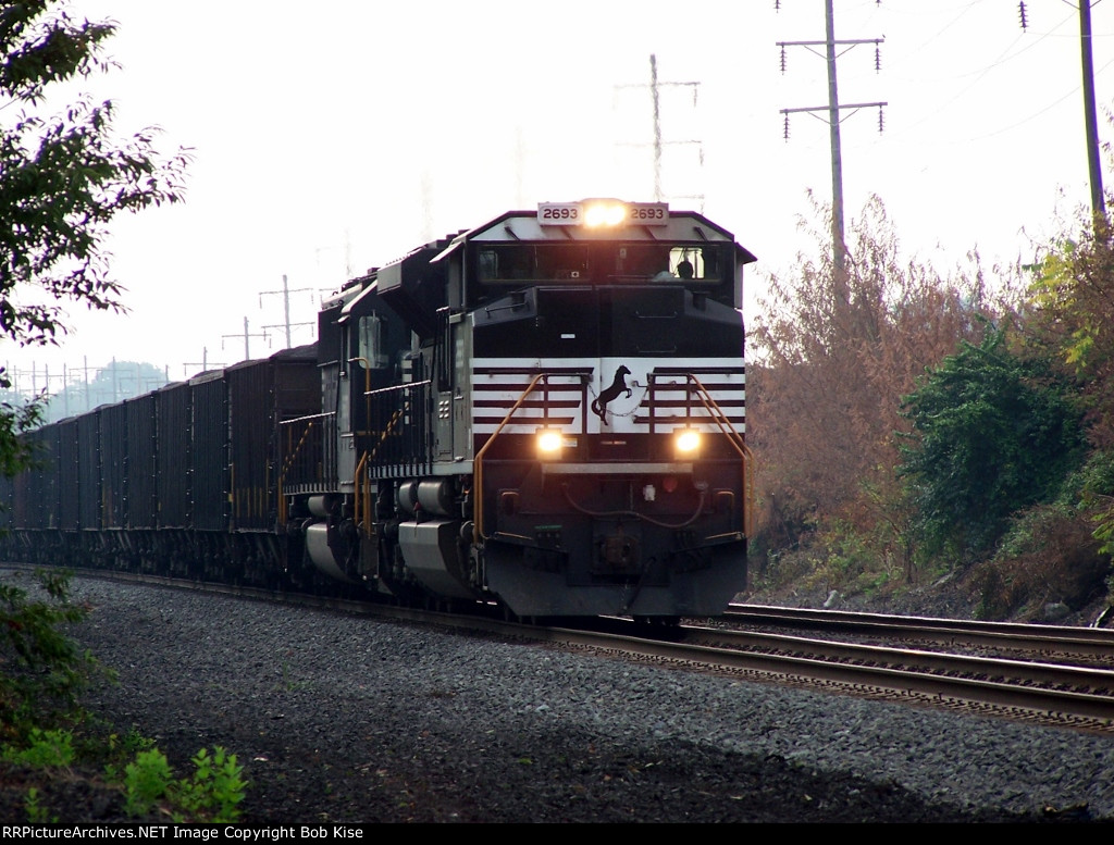 An eastbound coal train roars upgrade out of the Quittapahilla Valley