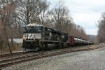 NS 1038 and loaded oil train Z4R