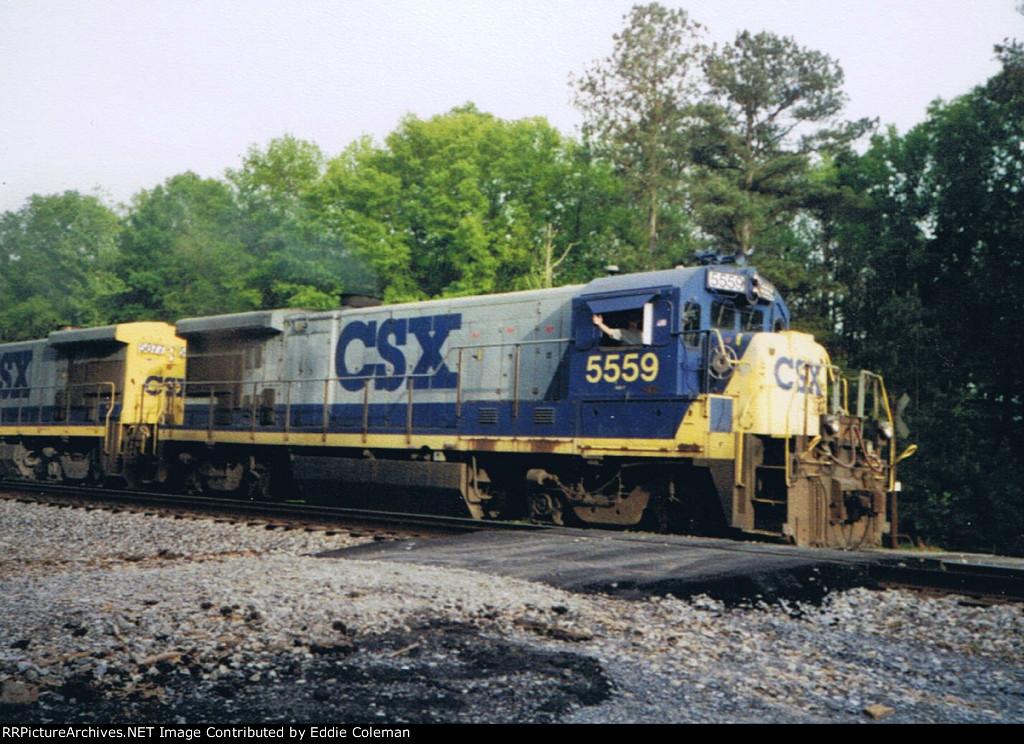 CSX B30-7 #5559