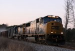 CSX 4577 leads train Q485 southbound late in the evening