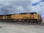 Side view of Union Pacific 6758