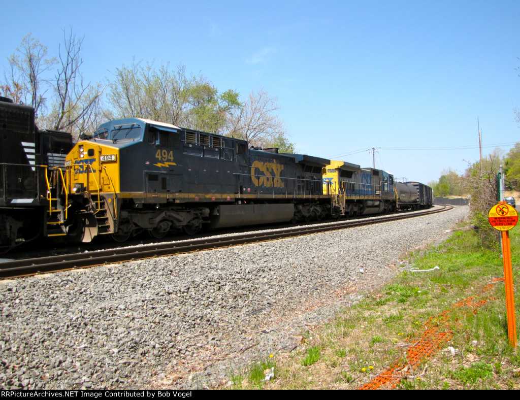 CSX 494 and 7589