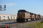 NS 225 with UP 6450 crosses 32nd St