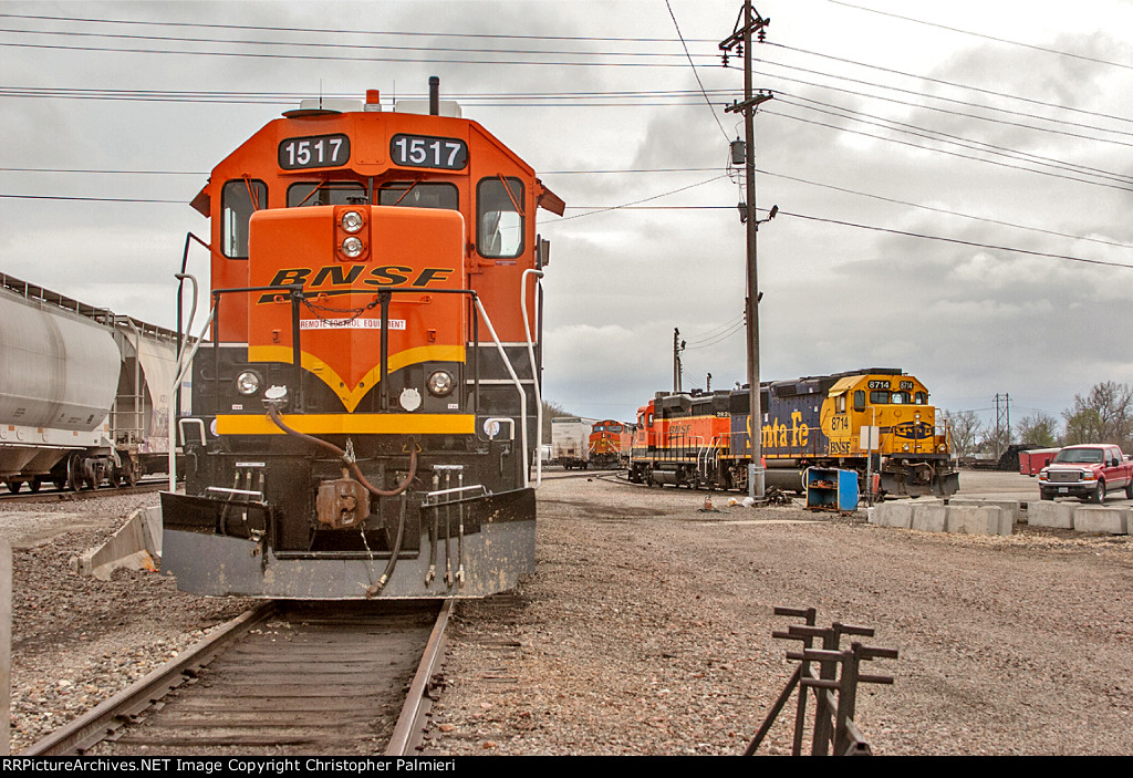 BNSF 1517, 2828, and 8714