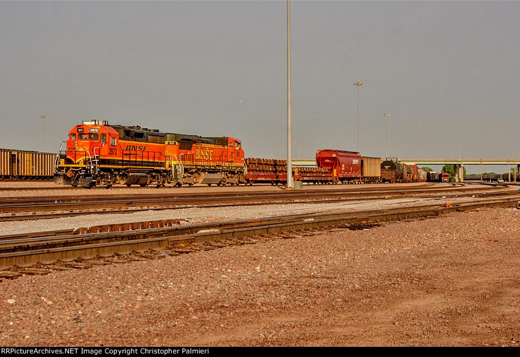 BNSF 2672 and BNSF 551