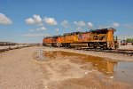 UP 5621 and BNSF 6637