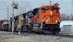 BNSF 9079 SD70ACe leads East-bound NS 175 Manifest.
