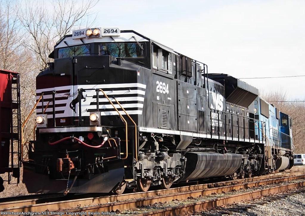 NS 2694 SD70M-2