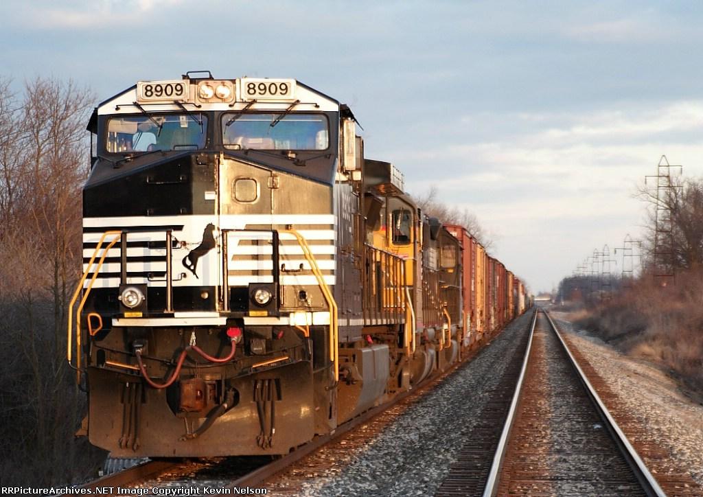 NS 8909 C40-9W