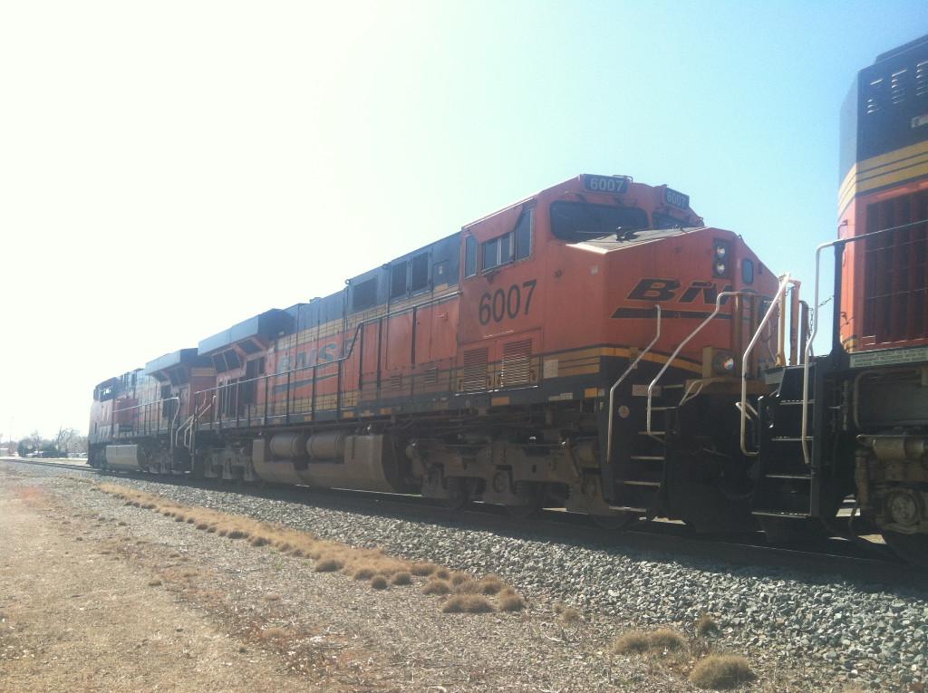 BNSF ES44AC 6007