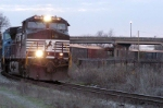p65 rolls into columbia at dawn with 30 loads headed to andrews yard