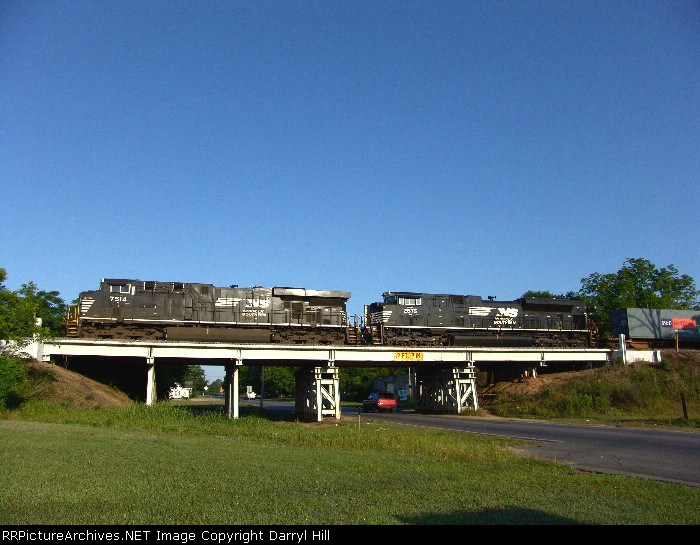 NS 7514 passes over