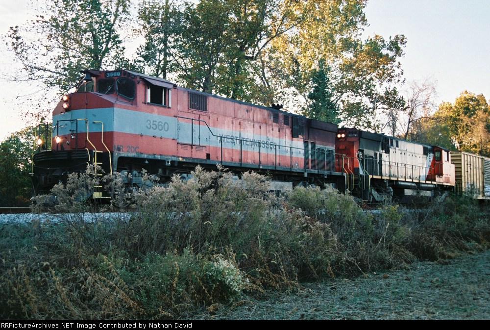 WTNN 3560 & 3576 wait for the B23-7s