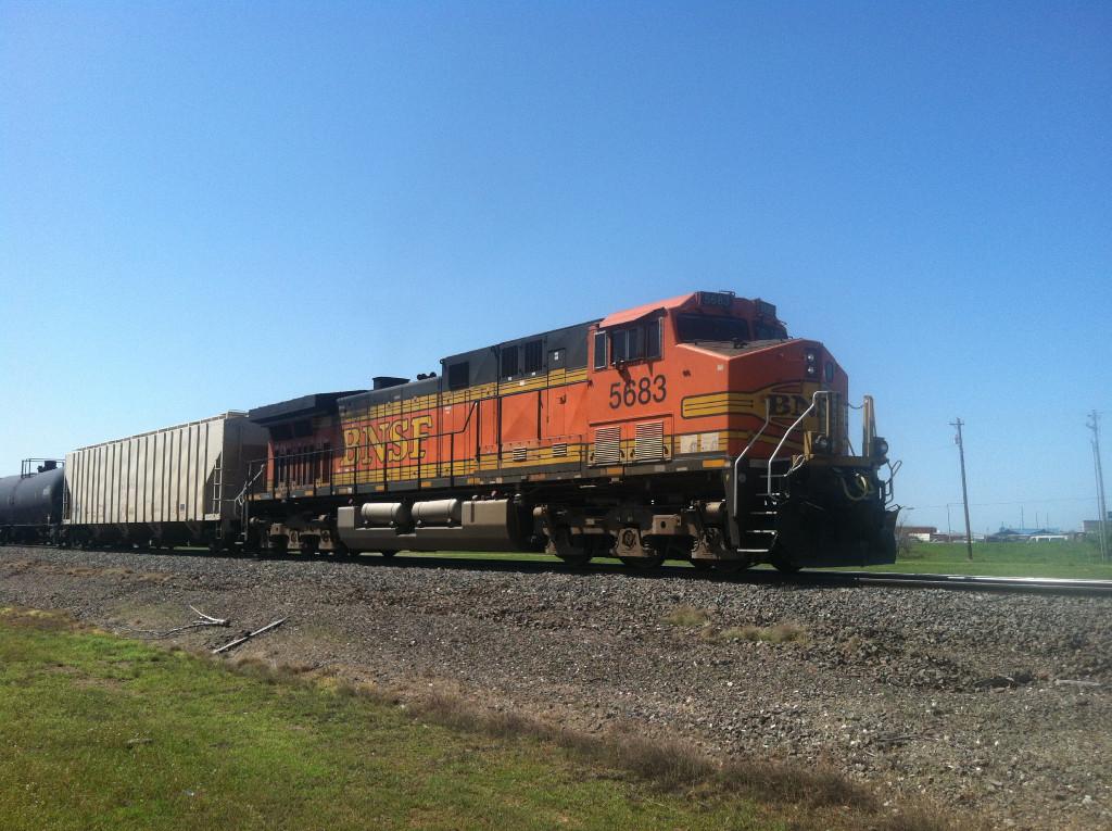 BNSF AC4400CW 5683