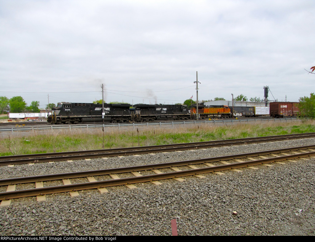 NS 8005 and 8001; BNSF 4365