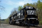 Relatively New SD40E 6351 in Manor