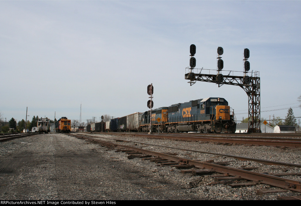 Q635 with an SD50 and SD40-3 on the C&O at Fostoria