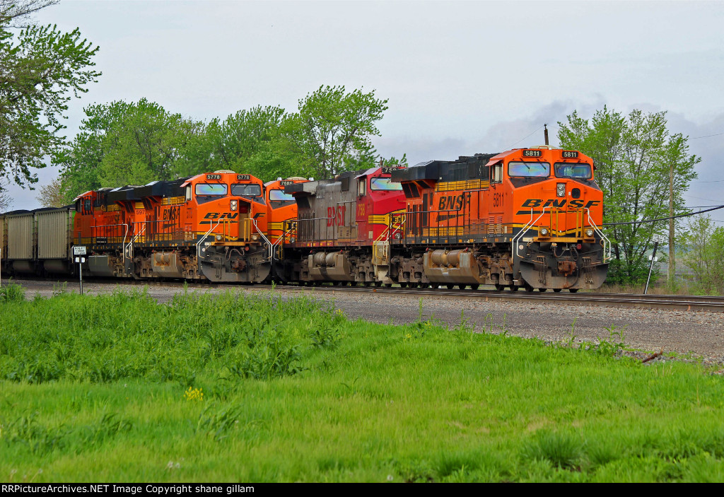 BNSF 5811 and Bnsf 5778 line up for the yard.