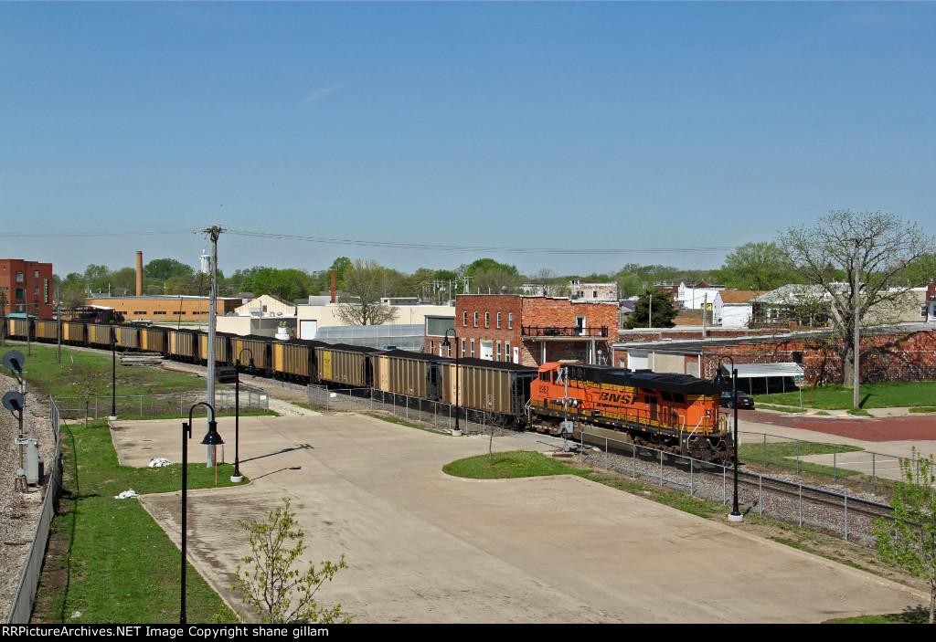 BNSF 5982 Works Dpu on a Sb coal load.