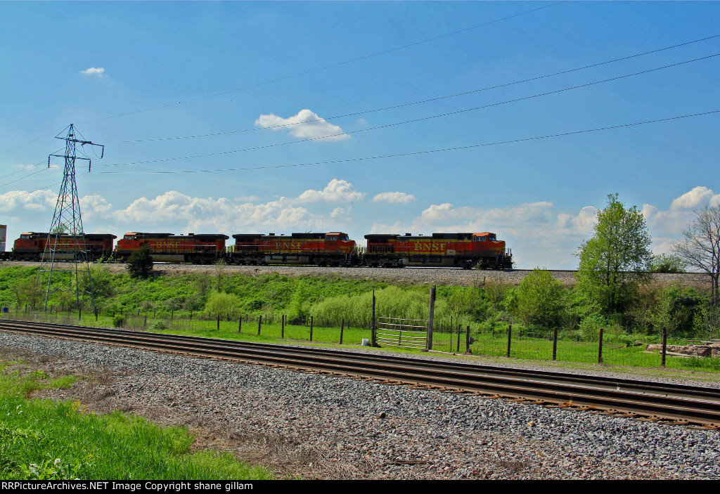 BNSF 4851 Heads Eb with a hot z train.