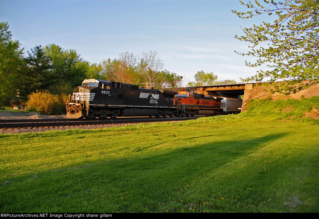 NS 9937 Leads a freight EB,