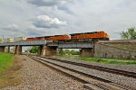 BNSF 7390 Rips a z train WB!!!