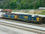 CSX 2435(SD40-2)   1023(YARD SLUG)