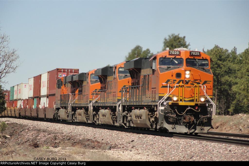 BNSF 7025 (again)