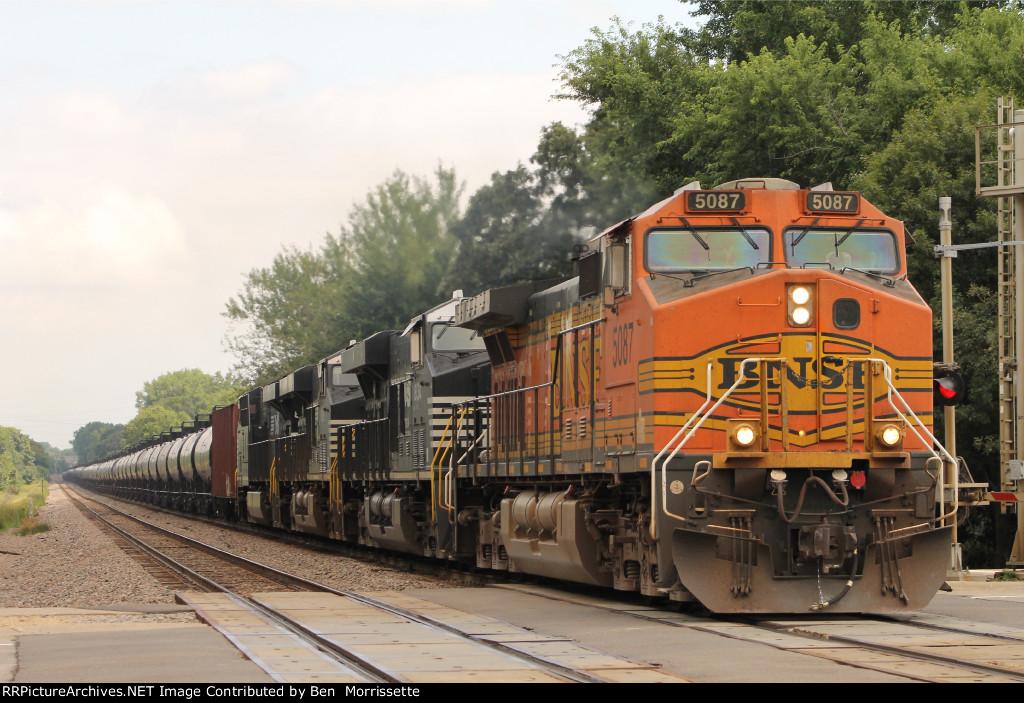 BNSF Dash9