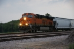 BNSF 6548 - The southbound arrives