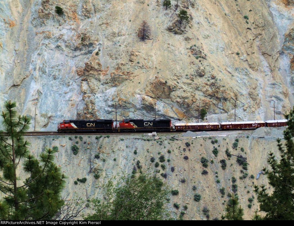 CN 2302 WB CN Ashcroft Subdivision in the Spectacular White Canyon