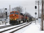 BNSF 6259 leads D801 west through the WAS signals at Grandville