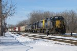CSX 8520 comes up the west end Even lead with Q326