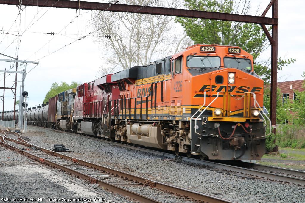 BNSF 4226