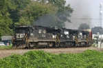 NS 213 led by a trio of GEs