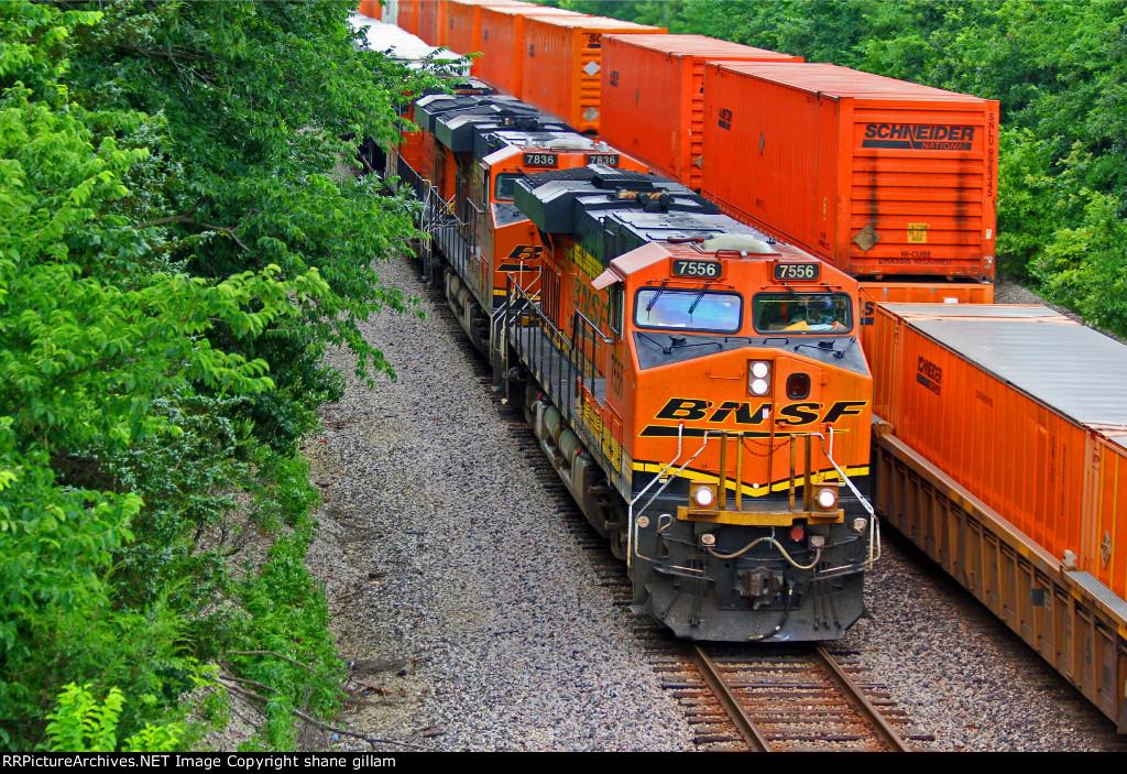 BNSF 7556 WB Z train meet's EB z train!
